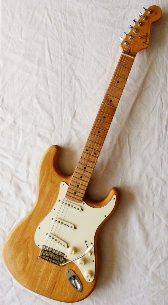 "Assemblage d'une Stratocaster ""Custom"""