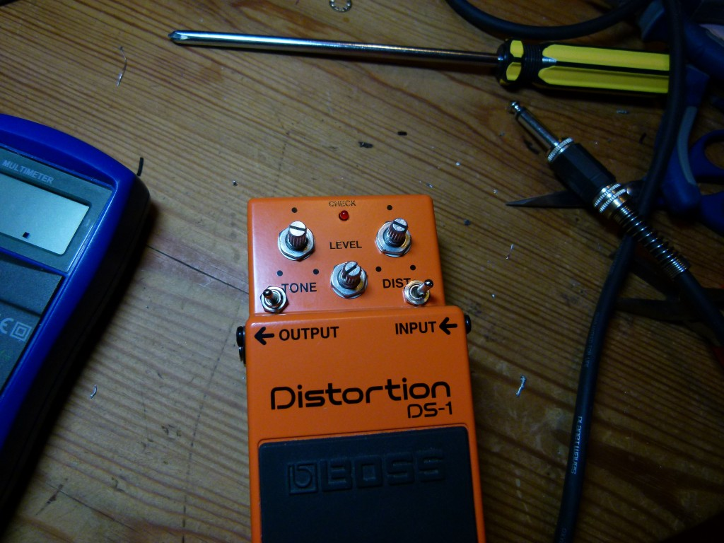 Boss DS-1 - Remontage
