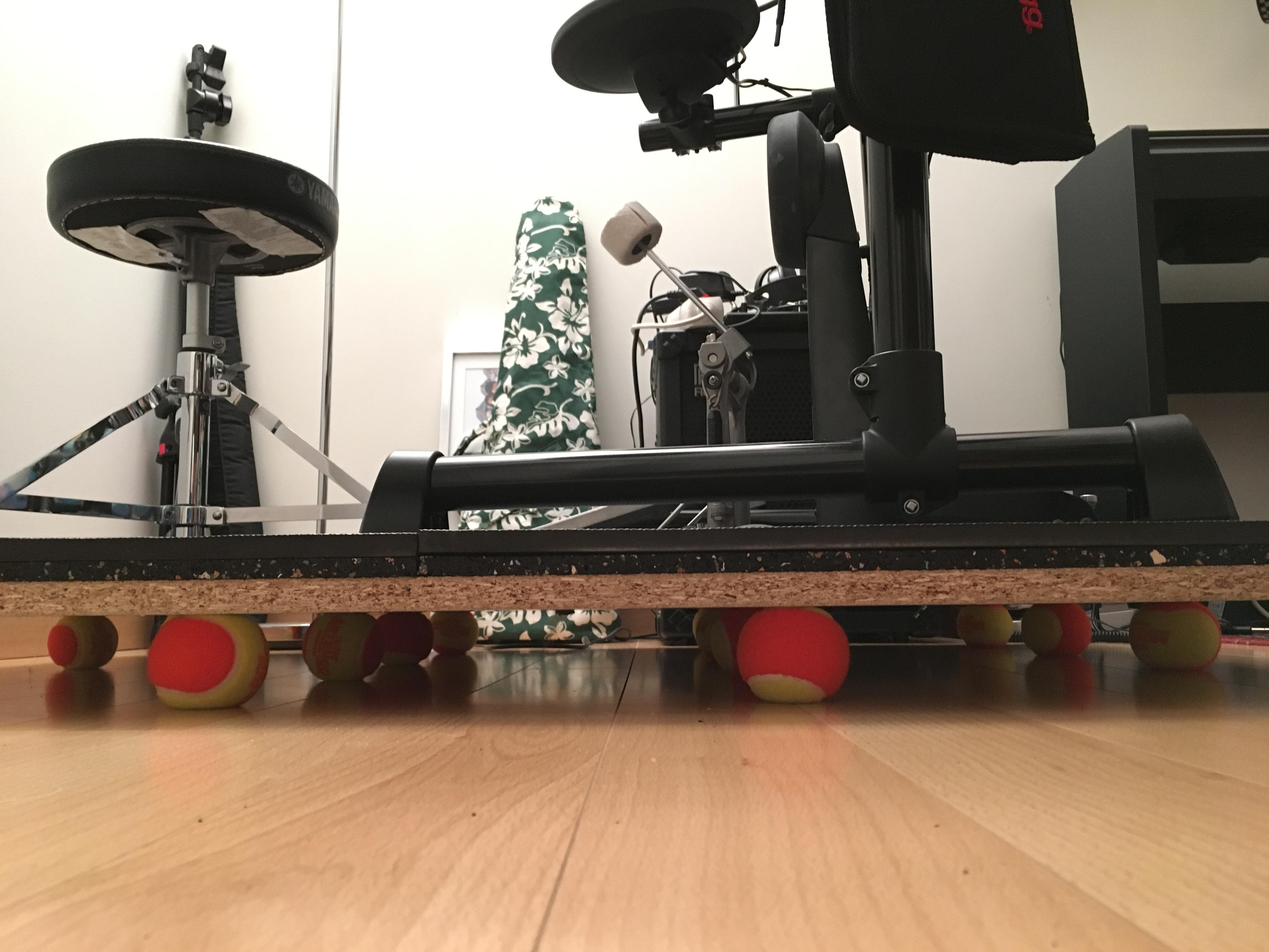 Tapis Anti Bruit Appartement technique - socle d'isolation acoustique pour batterie