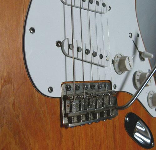 Détails de ma Stratocaster Custom au niveau du vibrato