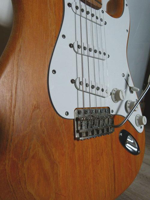 Vue rapprochée de ma Stratocaster Custom